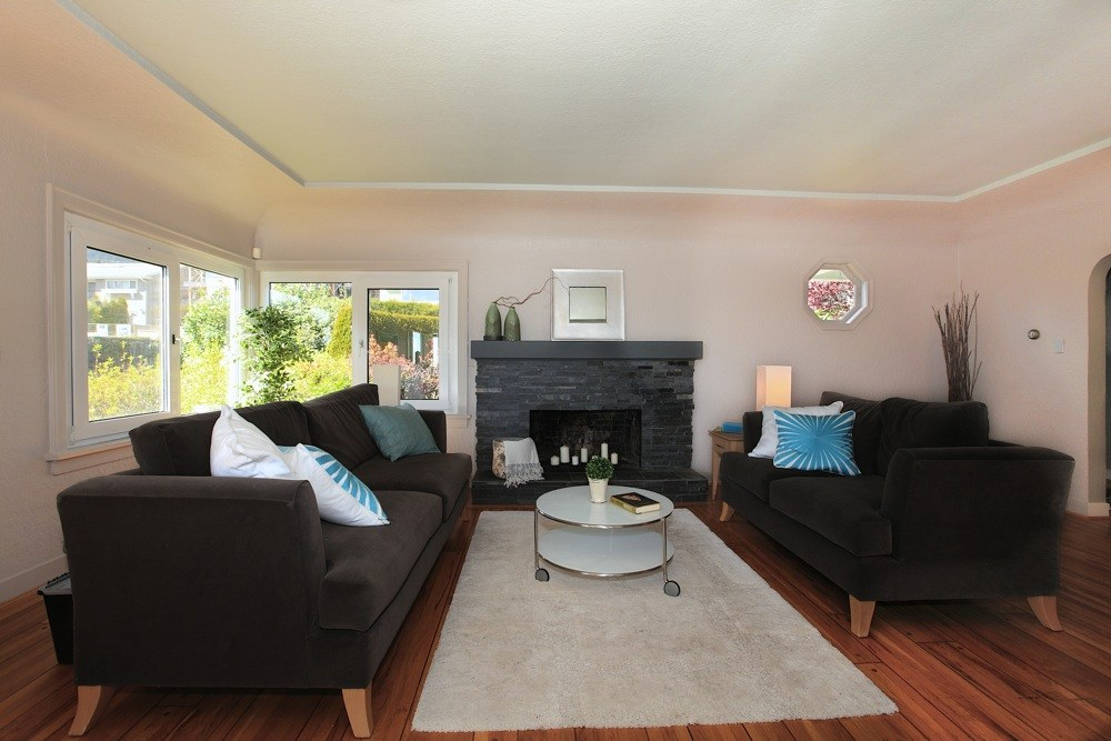 Listing Image of 1120 Palmerston Avenue