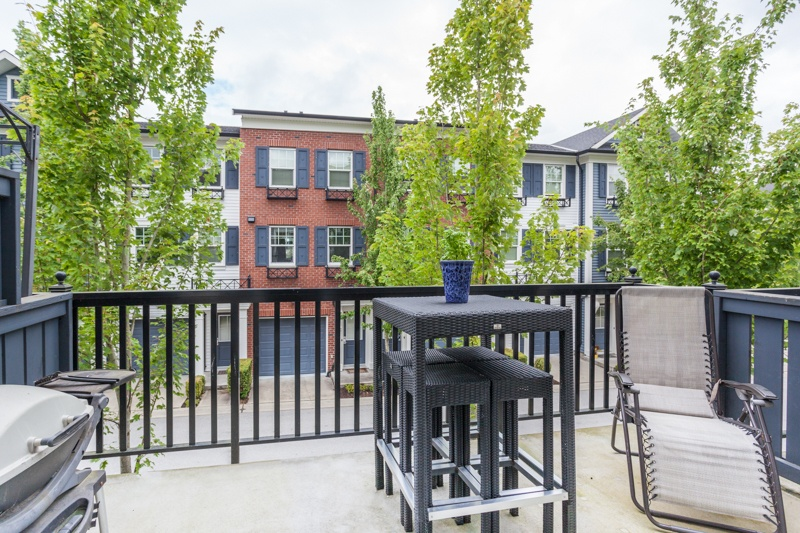 Listing Image of 3-7348 192A Street