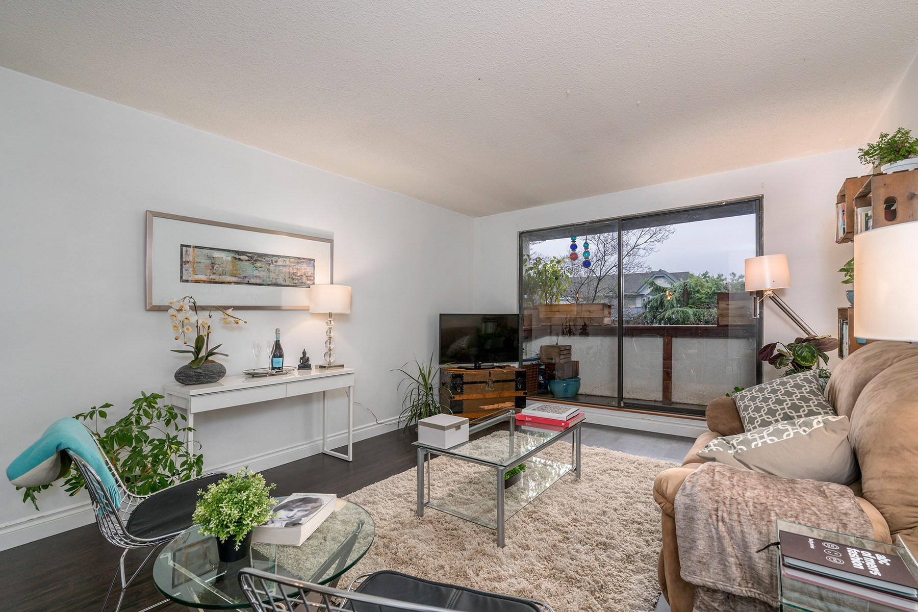 SOLD- 101 310 3rd Street East