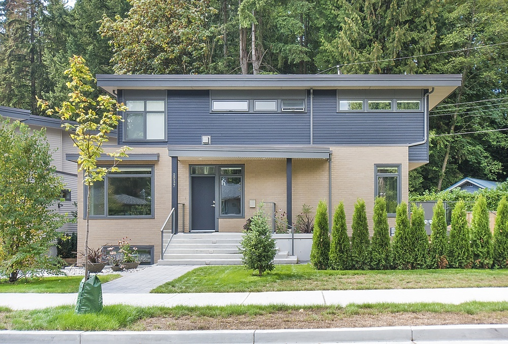 SOLD- 2037 Mackay Avenue