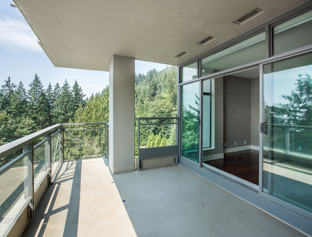Listing Image of 1003- 3355 Cypress Place
