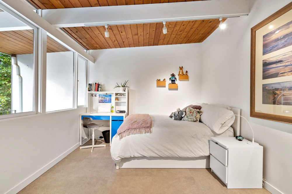 Listing Image of 6766 Dufferin Ave