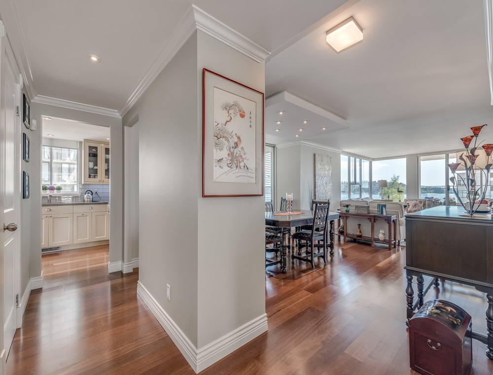 Listing Image of 600 1819 Bellevue Ave
