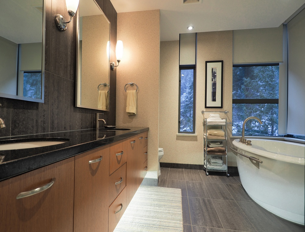 Listing Image of 1001 3355 Cypress Pl