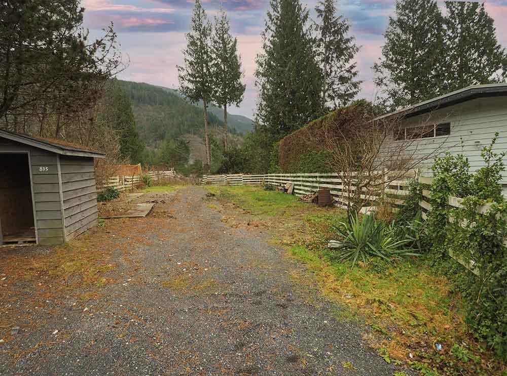 Listing Image of 835 Minaty Lane