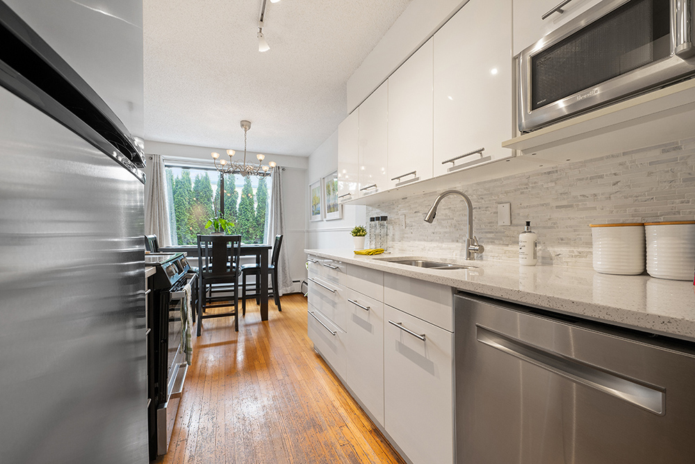 Listing Image of 107 2450 Cornwall Ave