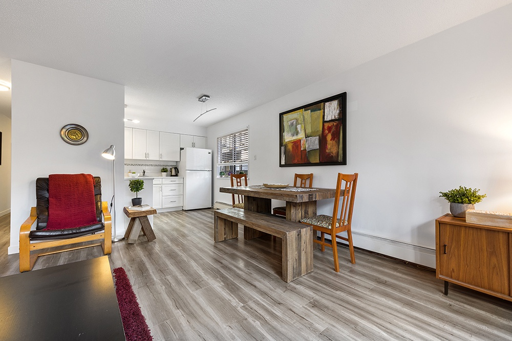 Listing Image of 2-137 5th St E
