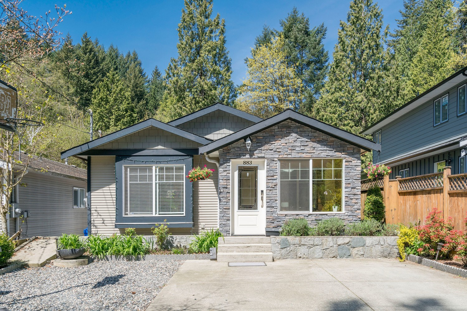 SOLD- 883 Seymour Boulevard